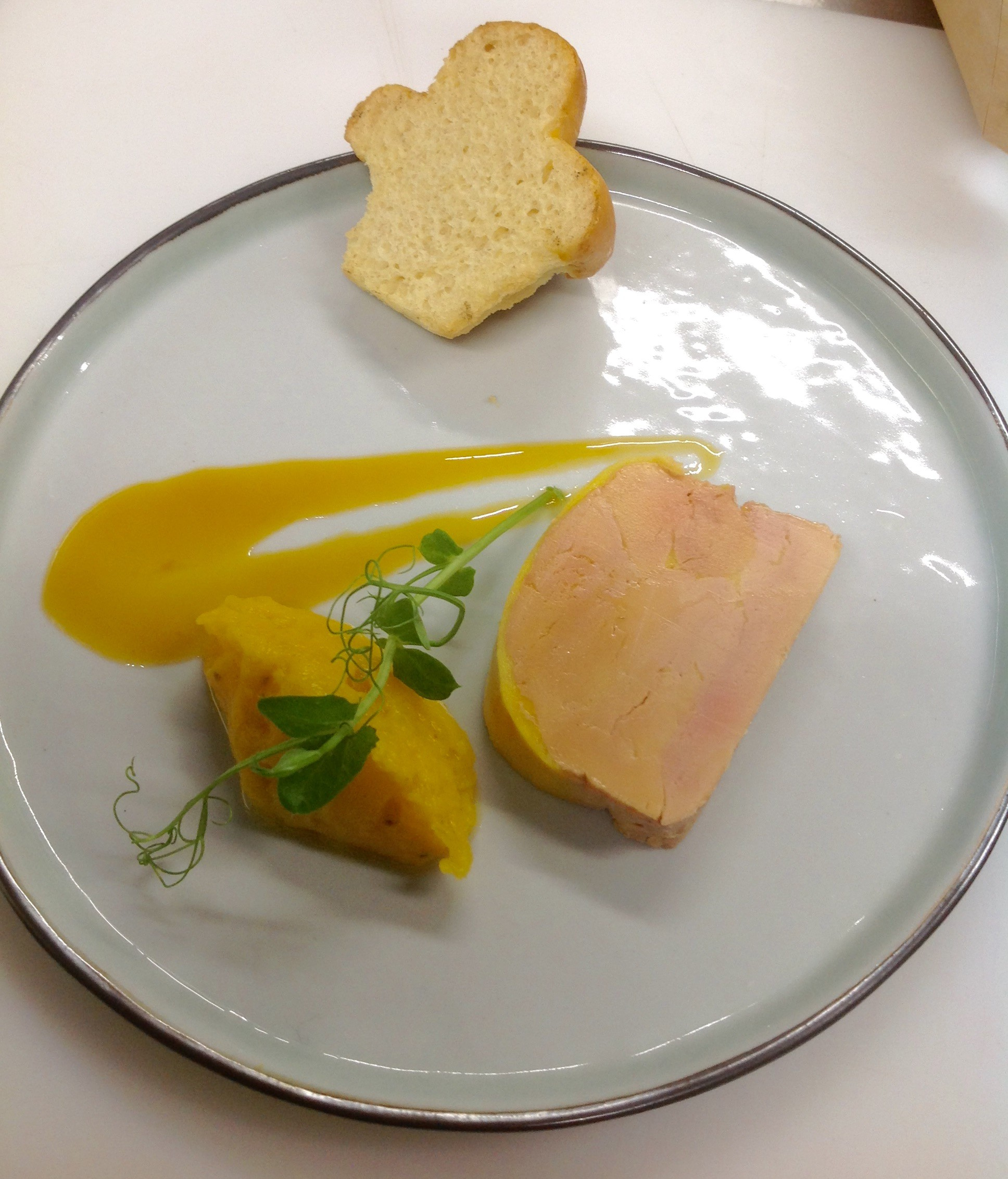 Foie gras de canard mi-cuit et son chutney